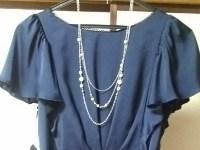 ネックレスとドレス.JPG